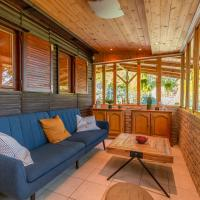 Modern Forest Home with Sauna, AC and view to Danube, hotel en Nagymaros