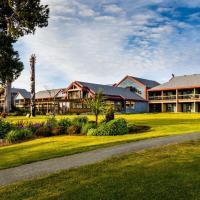 Best Western Plus Tin Wis Resort, Hotel in Tofino