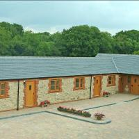 Hook Farm Cottages, hotel in Royal Wootton Bassett