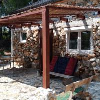 Isolated, 30m to sea, Viktoria s cottage + boat