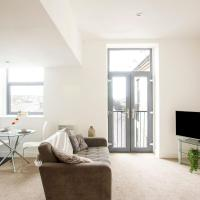 Cosy Holiday Home in Bradford with Balcony