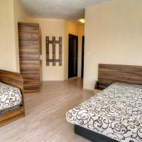 Advel Guest House, hotel in Madzhare