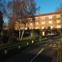 Cosy Quiet top-floor Flat across from Dulwich Park