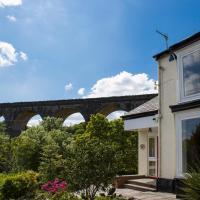 The Grange Guesthouse, Cefn-Coed, hotel in Merthyr Tydfil