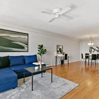 Relaxing 2-Bedroom Home in Oak Park Near Downtown, hotel in Oak Park