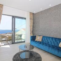 Luxury Amarin Apartment