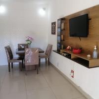 Apartamento bem localizado em condomínio de casas.