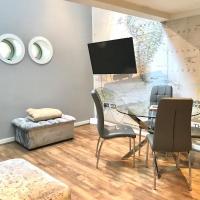 Stunning Spacious City Centre Apartment Sleeps 6