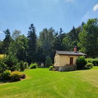 Garden cottage U lesa pod Radyní, hotel v destinaci Starý Plzenec