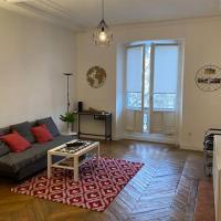 Appartement Hausmannien Allées Paul Riquet vue sur Theatre ·