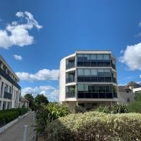Chertsey - Beautiful 2 Bedroom Penthouse