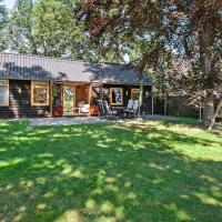 Peaceful Famrhouse in Valthe Drenthe with Large Garden, hotel in Valthe
