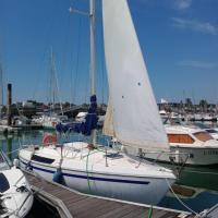 Jolie petit voilier à La Rochelle