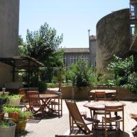 Auberge de Jeunesse HI Carcassonne, hotel in Carcassonne's Medieval City, Carcassonne