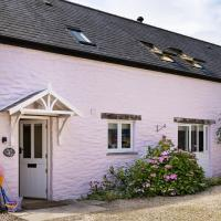 Berry Cottage - 4 Bedroom, Pet-Friendly Cottage Sleeping 8