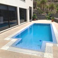 Villa Giselle - Modern Luxury on a Traditional Island