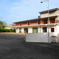 Serfem Lab hall & rooms, hotell i Marina di Gioiosa Ionica