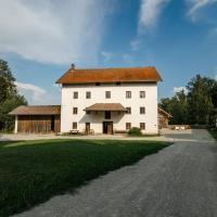 Veranstaltungszentrum Prühmühle mit Schlafplätzen, hotel in Eggenfelden