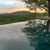 Beautiful Ocean View Villa with Infinity Pool & AC - Sleeps 6
