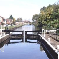 Enfield Lock Business stay house