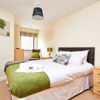 Luxe Apartment No.6: Modern city centre apartment with secure parking
