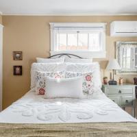 Casita Gundry - charming suite, cozy & contactless, hotel near Long Beach Airport - LGB, Long Beach
