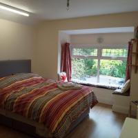 Spacious Room in Midlands