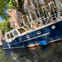 Boat Amsterdam Center