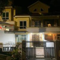 KTH Homestay, hotel in Tanjung Bungah