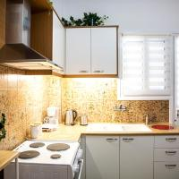 Cozy apartment at Piraeus with 4SAT 100Mbps and solar