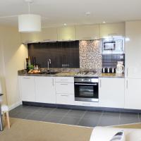 Silversprings - Quiet City Centre Apartments with Parking