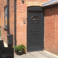 Cosy and Peaceful Maisonette with Terrace, Kidderminster