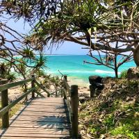 EXTRA LARGE 2 Bed Apartment - 3 Pools and Spa - Mountain View - BEACHFRONT LOCATION CABARITA BEACH