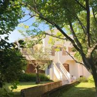 Rez de villa T3 cosy avec jardin, hotel near Bastia - Poretta Airport - BIA, Borgo