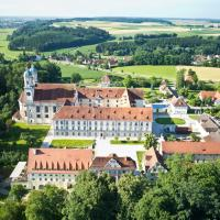 Hotel Kloster Holzen, hotel sa Allmannshofen