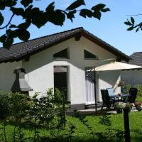 Holiday home Eifelpark 1, Hotel in Kopp