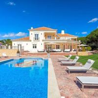 Ludo Villa Sleeps 12 with Pool and Air Con