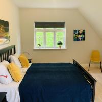 Adnana - Modern Living - Masters Room, hotel near Aalborg Airport - AAL, Aalborg
