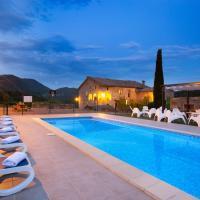 Turisme Rural Mas Moreta, hotel en Les Llosses