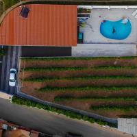 Casinha das Bonecas - Casa com Piscina Privada, hotel em Aveiro