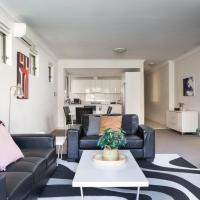 Spacious Two-Bedroom Apartment near Hospital, hotel in Sydney