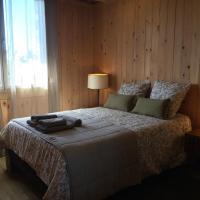 Chambre chaleureuse et atypique dans maison bois BBC