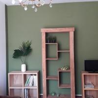 GREEN APARTMENT 5 posti letto e 120 m2, hotel in Piobbico