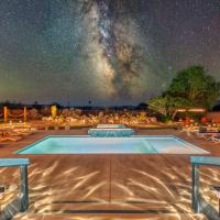 Bella Luna Retreat - Saltwater Pool and Hot Tub