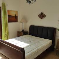 Villa Corte, Beautiful 2 Bed Apartment, Balcony, Parking, Sleeps Max 5, hotel in Villa Latina
