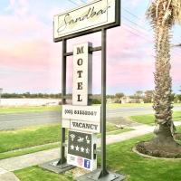 Sandbar Motel, hotel in Lakes Entrance