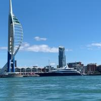 Captivating 2-Bed Apartment in Portsmouth