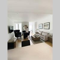 Tower Hill- City 2 bedroom apartment, with parking
