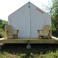 Tentrr Signature - Orchard Tent Overlooking Mohonk, hotel in Stone Ridge