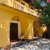 Villa Le Gemelle Dell'Alcantara, hotell i Motta Camastra